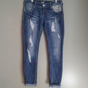 Almost Famous premium jeans size 7 skinny